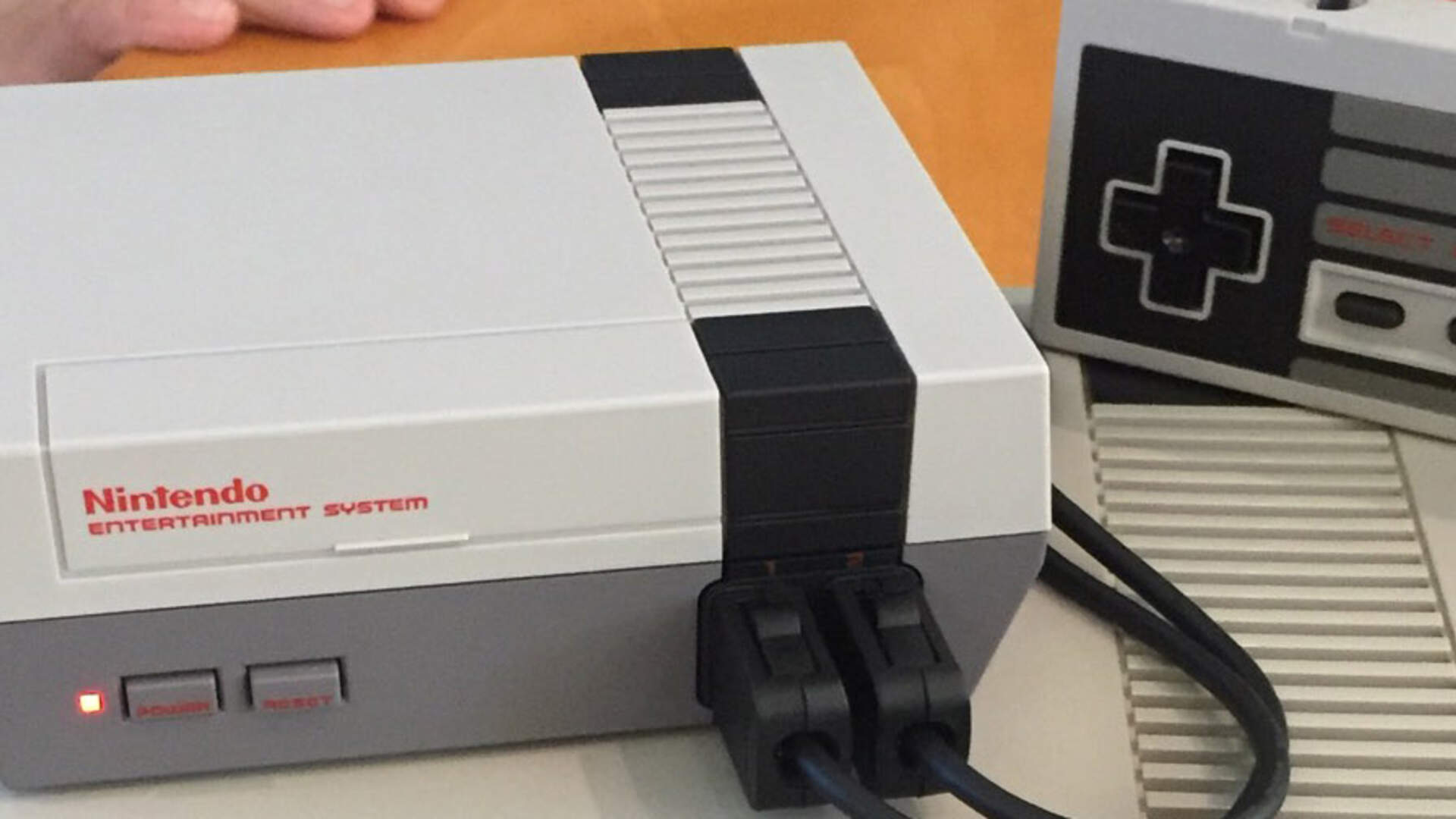NES Classic Edition Hands-On Impression: Big on Fun, Light on Features