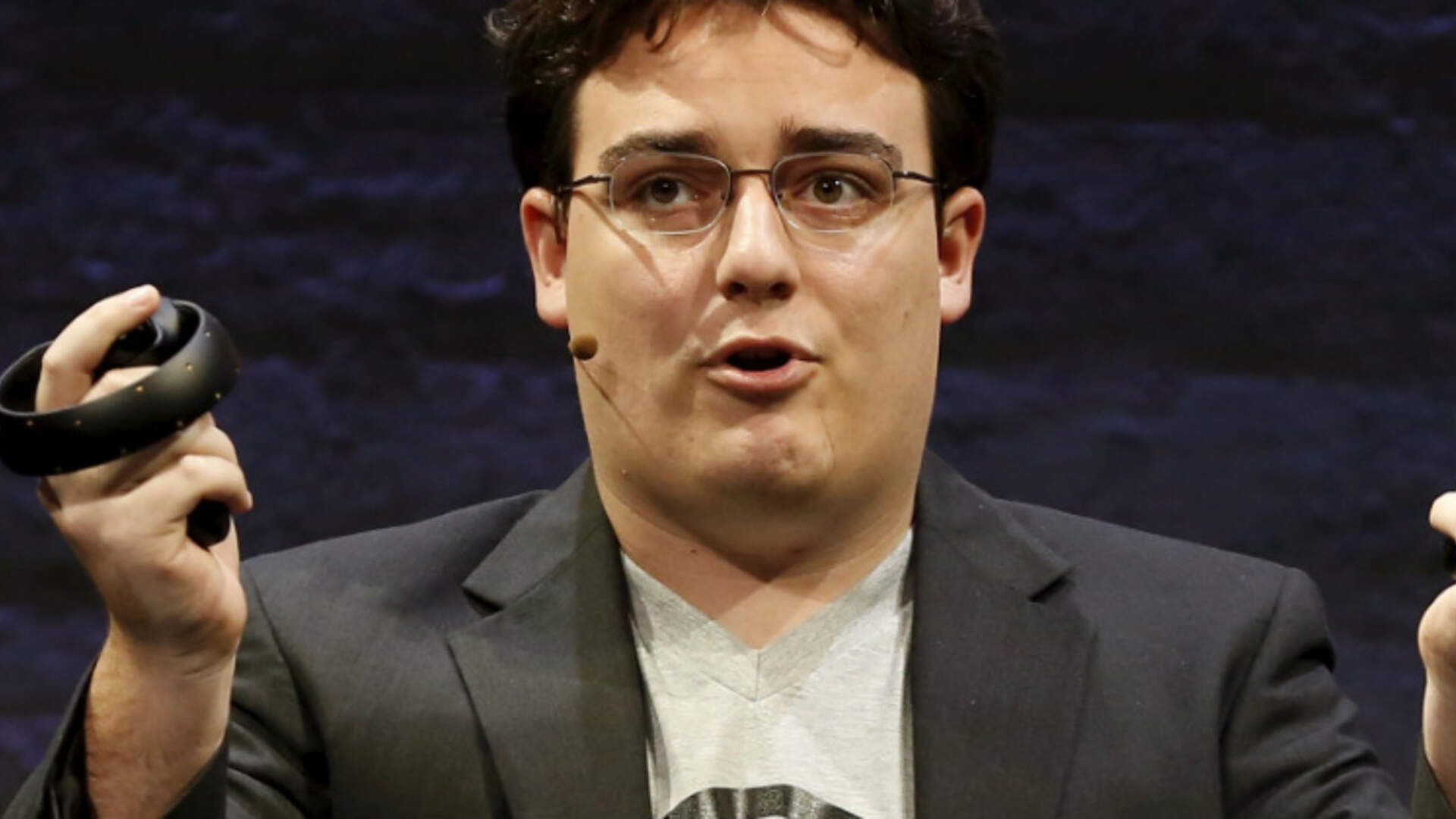 Oculus Founder Leaves Facebook
