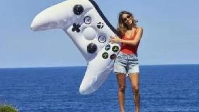 Microsoft announces inflatable Xbox One controller for your pool