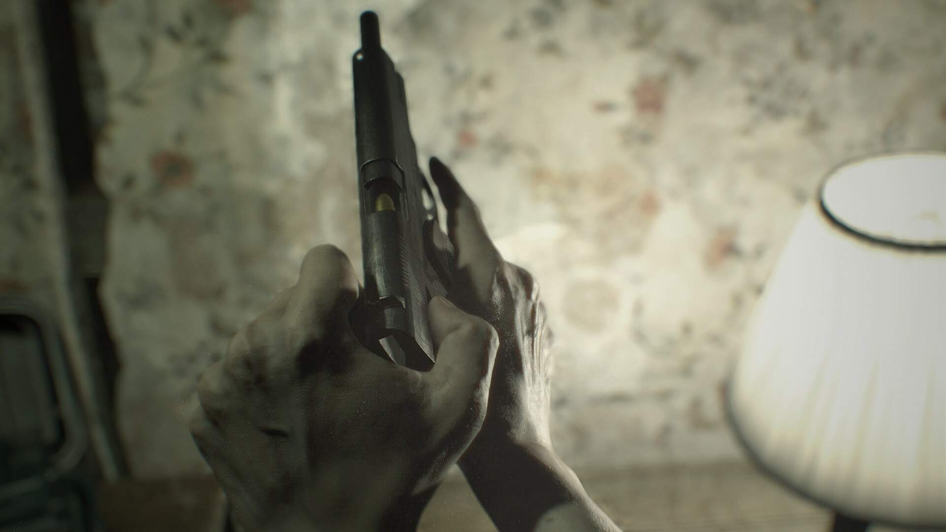 Resident Evil 7 Guide: How to Find and Use Repair Kits - Fix the M19 Pistol and M21 Shotgun