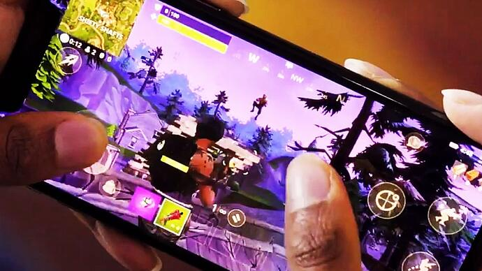 Hier zie je de eerste Fortnite Battle Royale op smartphone gameplay