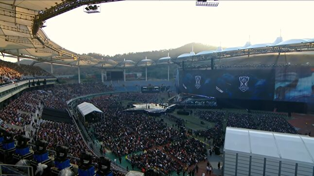 The League of Legends World Championship Final 2018, hosted at the Incheon Munhak Stadium, South Korea