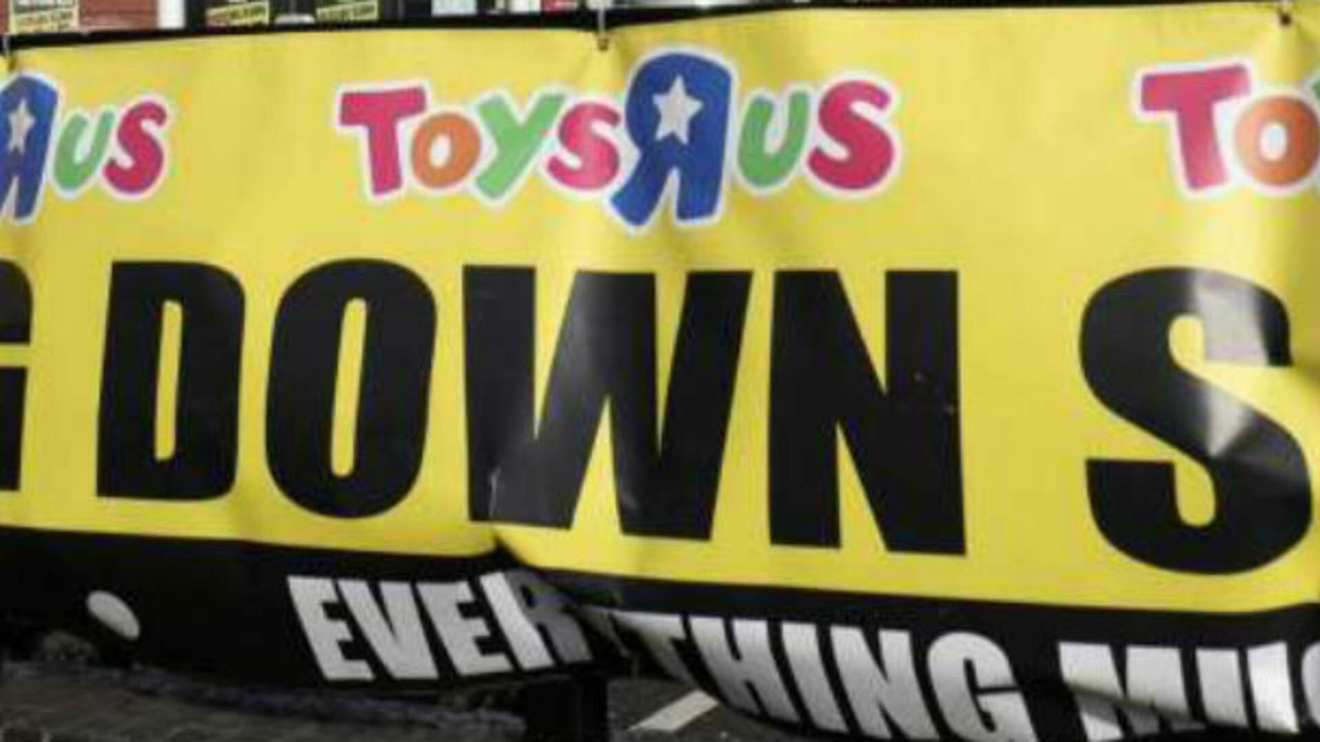 RIP Toys R Us: The Giant Corporation That Weirdly Controlled My Childhood