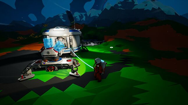Machines in Astroneer expose their inner workings to the player