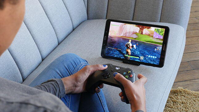 Like Google's upcoming Stadia service, Shadow already allows to move their gameplay sessions between devices