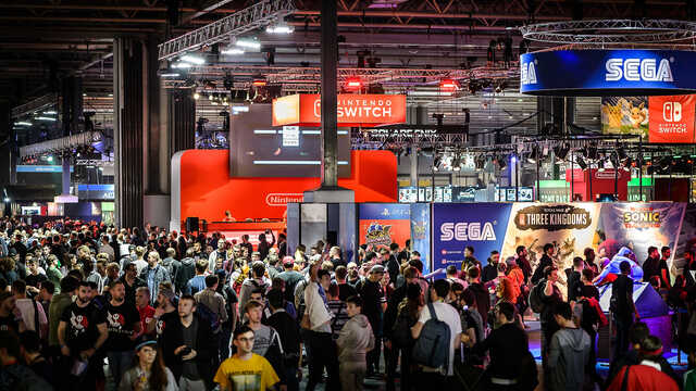 Crowd on the EGX event floor